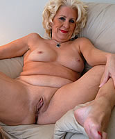 Geile Blonde Oma