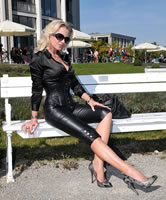 Deutsche Frau in High-Heels