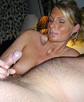 Eigenen Schwanz lutschen - Porn Poppy