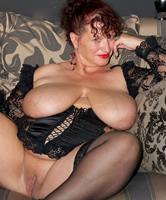 Gewaltige Brüste