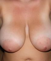 Große natürliche hängende Brüste