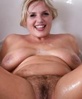 Blond Mollig