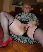 kurvige nackte reife frauen in heels