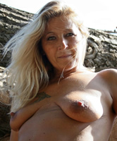 Und geil nackt reif Nackte Frauen