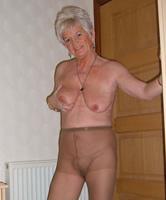 Nackt sehr schlanke oma Schlanke Alte