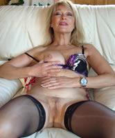 Reife Frau In Strapse