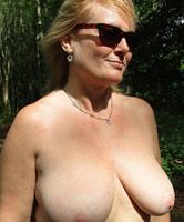 Reife Frauen Im Wald