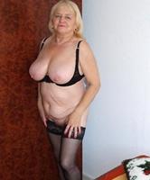 Ü60 nackt frauen Nackt im